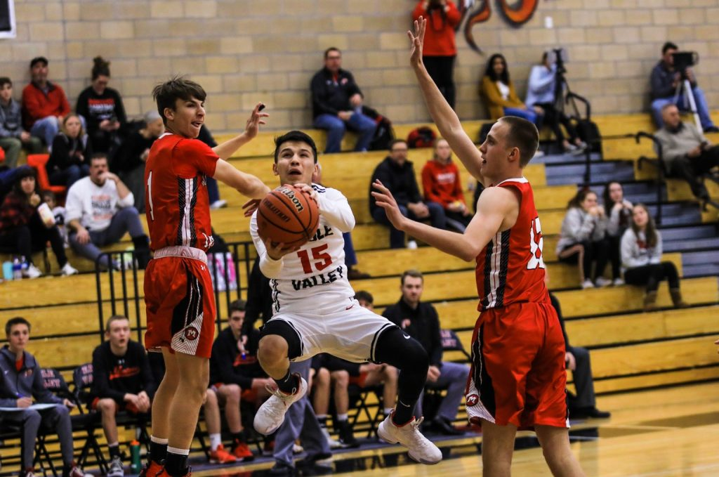 Eagle Valley Basketball Lose 54-83 to Montrose